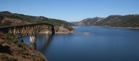 lake-sonoma-and-bridge